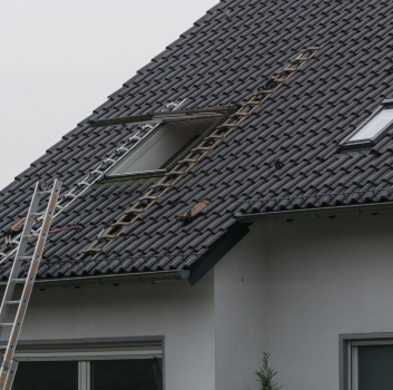 What Regulates the Price of a Roof?
