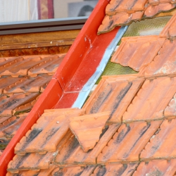 Commonly Overlooked Signs of a Bad Roof