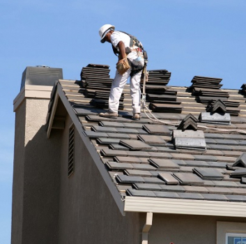 Roofing crew employees vs. subcontractors – is there a difference?